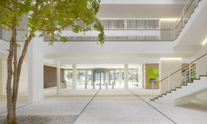 green-city-court-richard-meier-0